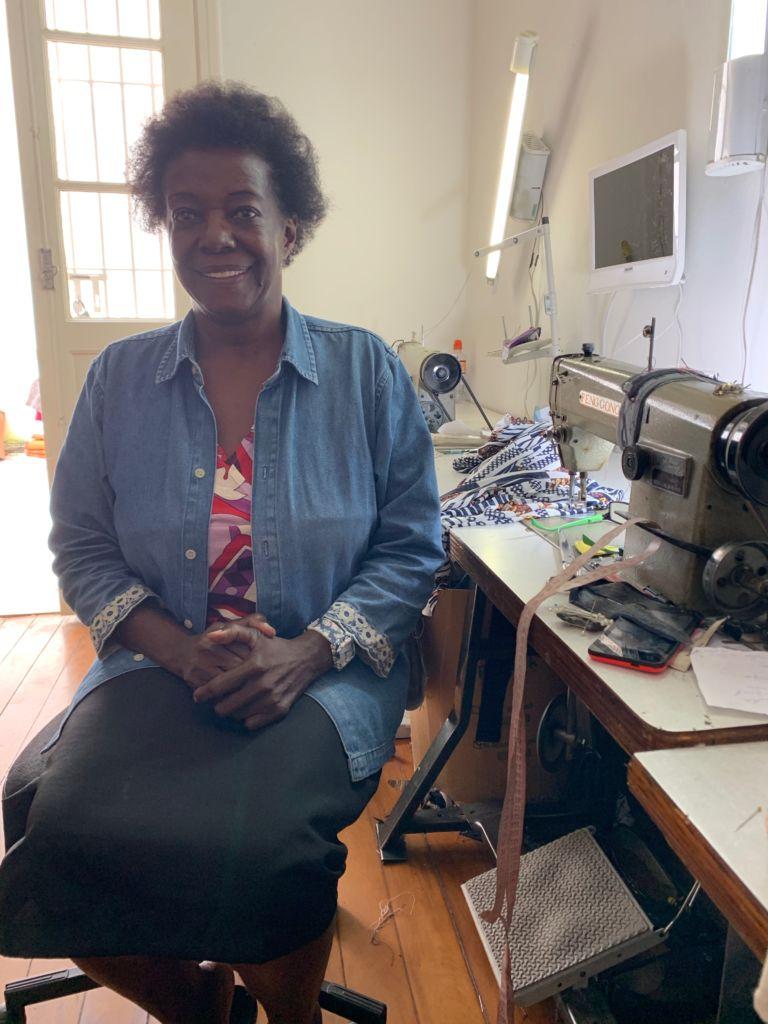 conversa com Dona Maria helena, costureira