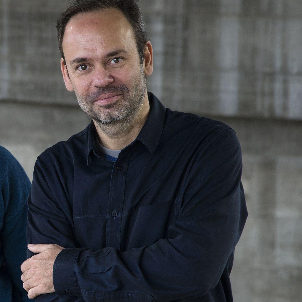 Curadores da exposição de Arquitetura Brasileira, Fernando Serapião, Guilherme Wisnik e Nuno
